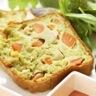 Cake ' encore tiède ' au pesto filet de volaille et carottes