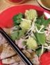 Légumes verts vapeur et boeuf poêlé, sauce sésame