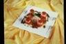 Les petites tomates farcies au riz long escalope de thon mariné vinaigrette de tapenade
