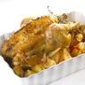 Poulet rôti au thym lit de pommes de terre et 3 poivrons
