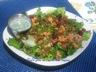 Salade de saumon, tomates séchées au soleil et de bacon