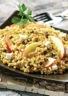 Salade méli mélo gourmand aux pommes raisins secs et chèvre
