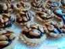 Mini tartelletes de cacahuètes grillés chocolatés au caramel