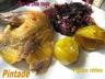Pintade, tian de chou rouge aux noixet figues rôties