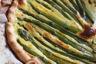 Tarte aux asperges vertes, au saumon fumé et au chèvre frais