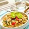 Poulet sauté au wok et ses nouilles de riz