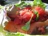 Salade de fraises, saumon fumé aux agrumes