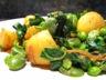Curry de pommes de terre nouvelles et légumes de printemps