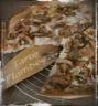 Flammekueche ou tarte flambee alsacienne aux champignons de paris