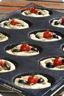 Mini-fougasses à l'ail des ours, tomates & olives