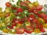 Salade de tomates cerises marinées aux herbes