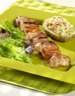 Gibiers à poils: Brochettes de lapin mariné et pommes de terre farcies