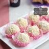 Gâteau, boules de neige à la noix de coco