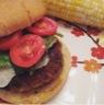 Hamburger aux épinards et noix de macadam