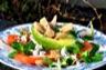 Salade d'avocat, hareng fumé, tomate et bleu d'auvergne