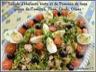 Salade d'haricots verts et de pommes de terre, garnie de tomates, thon, oeufs, olives