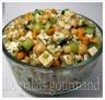 Salade de pois chiches, concombres et herbes fraîches