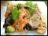 Nouilles chinoises sautées au porc, crevettes, et légumes