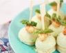 Amuse bouches à la crème d'asperges vertes et aux gambas épicées