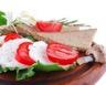 Assiette de tomates mozzarella et jambon fumé