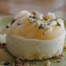 Bavarois roquefort papillon poire miel et noisettes