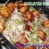 Boulettes de poulet aux accents japonais et leur riz sauté aux légumes