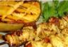 Brochette de poulet marinée à l'orientale et mangue grillée