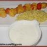 Brochettes de poulet tandoori et sauce au yaourt + riz complet au curcuma