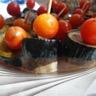 Brochettes de saucisse de foie aubergine et tomate cerise