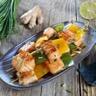 Brochettes de saumon mariné à la sauce soja