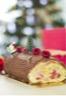 Bûche de Noël framboises crème pâtissière ganache chocolat noir