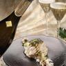 Cabilaud aux topinambours texture à la vanille avec un champagne de vigneron blanc de noirs
