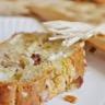 Cake au fromage de chèvre noix et oignon caramélisé
