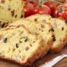 Cake aux deux olives et lardons