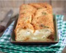 Cake aux lardons fromage de chèvre pignons et fines herbes