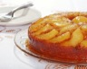 Cake renversé aux poires et aux raisins secs