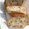Cake roquefort poire et noix