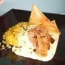 Canard accompagné de samoussas et de sauce foie gras avec une fine purée de petits pois ! Pour 5