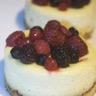 Cheescake au St Môret® et fruits rouges sur pain perdu Harrys : des saveurs de mon enfance