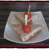 Club sandwich au fromage frais poulet et légumes croquants toast