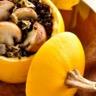 Courges pomme d'or farcie au quinoa noir et champignons de Paris