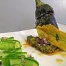 Courgette farcie au vert fleurs en tempura