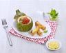 Courgettes farcies aux œufs brouillés et tomates au basilic
