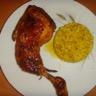 Cuisse de poulet et riz avec sauce