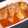 Cuisses de poulet marinées à la sauce tomate