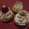 Cupcakes aux noisettes et coeur croquant glaçage fondant aux amandes