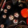 Cupcakes ensanglantés chocolat blanc framboise cœur purulent de pomme
