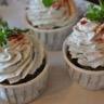 Cupcakes épinards et crème fouettée à la roquette