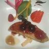 Escalope de foie gras déglacé au champagne et ses fruits rouges