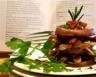 Étagé de pommes de terre au canard confit et à la sarriette fraîche